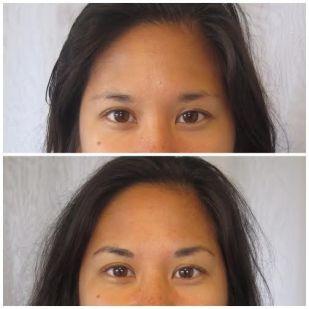 Permanent tattooed hairstrokes